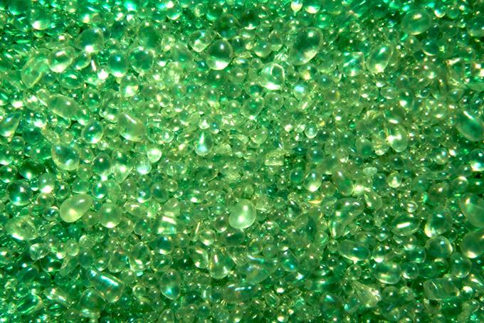 キラキラ ガラス粒