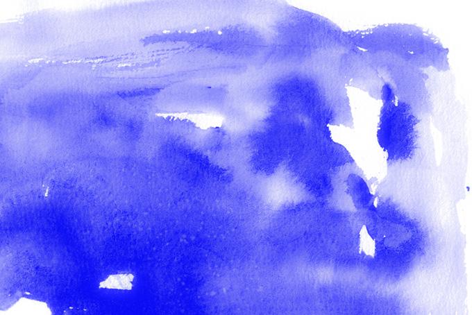 水に滲む青紫色の水彩テクスチャ