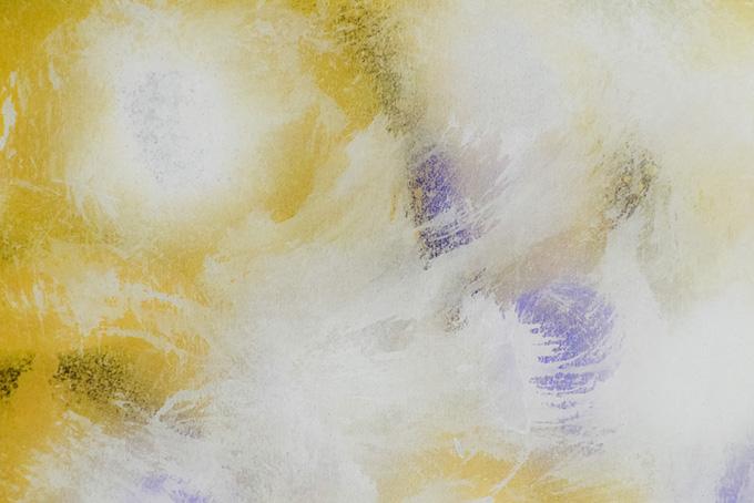 黄色の背景に白のドライブラシ