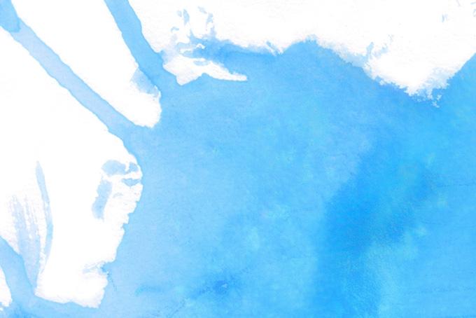 水色の絵具と白い画用紙のテクスチャ(水彩 カラフルのフリー画像)