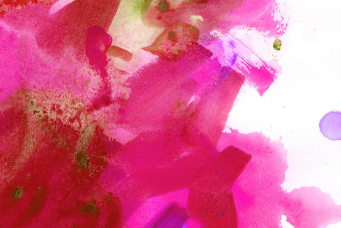 マゼンタとルビーの花びらのような水彩タッチ