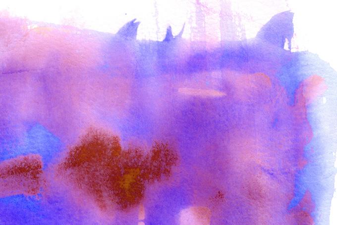 紫と青がにじむバックグラウンド(水彩 カラフルのフリー画像)