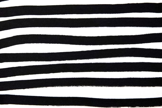 黒マジックで描いたストライプのシンプルな背景(水彩 白黒のフリー画像)