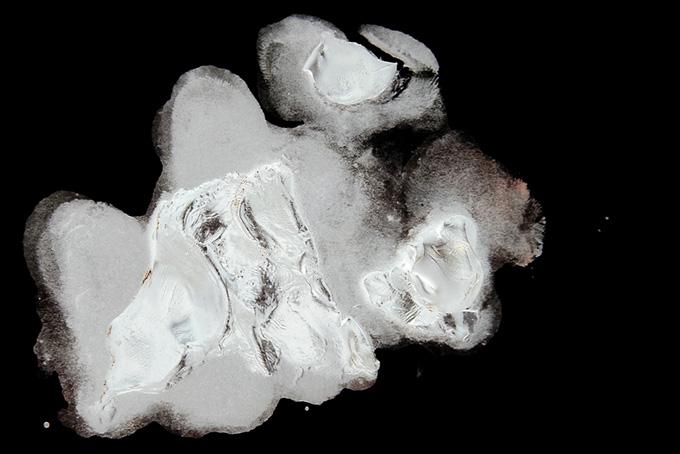 絵具 モノクロ背景