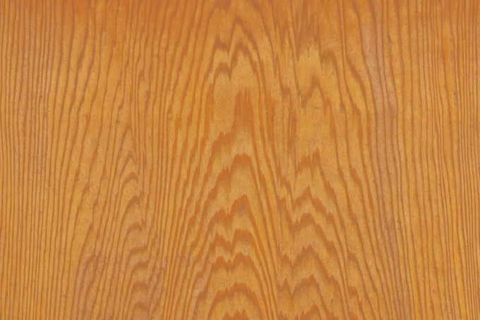 模様が美しい松の木目